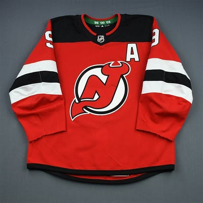 Hall, Taylor Red Set 1 w/A New Jersey Devils 2018-19 #9 Size: 54