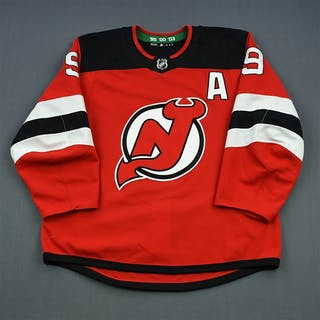 Hall, Taylor Red Set 1 w/A New Jersey Devils 2018-19 #9 Size: 56