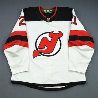 Palmieri, Kyle White Set 1 (A removed) New Jersey Devils 2018-19 #21 Size: 54