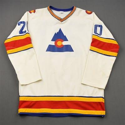 Skinner, Larry * White Colorado Rockies 1976-77 #20 Size: 48