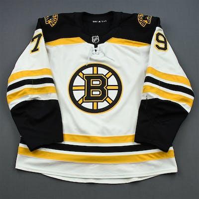 Lauzon, Jeremy White Set 1 Boston Bruins 2018-19 #79 Size: 56
