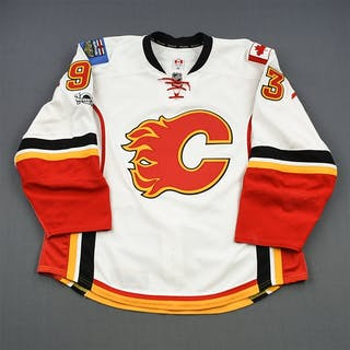 Bennett, Sam * White Set 2 w/Centennial Patch Calgary Flames 2016-17