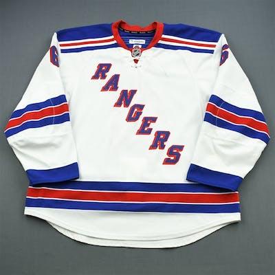 McIlrath, Dylan * White Set 1 New York Rangers 2015-16 #6 Size: 58+