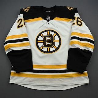 Lindholm, Par White Set 1 Boston Bruins 2019-20 #26 Size: 56