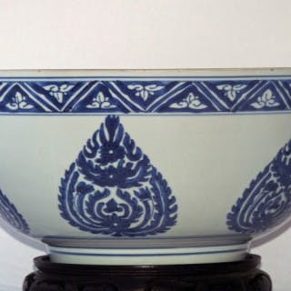 MING BLUE AND WHITE 15TH / 16TH CENTURY BOWL