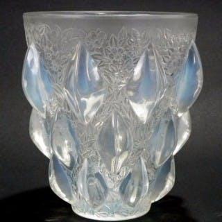 Rene Lalique Opalescent Glass 'Rampillion' Vase