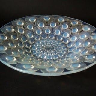 René Lalique Opalescent Glass 'Plume de Paon' (peacock feather) shallow bowl