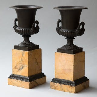 PAIR OF HANDSOME RESTORATION PERIOD BRONZE MEDICI URNS