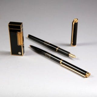 STATE OF QATAR : DUNHILL LIGHTER AND PEN SET