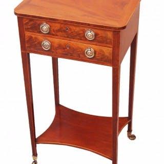 Antique Georgian Mahogany Lamp Table