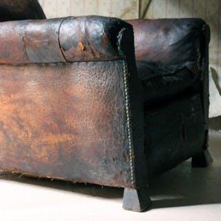 An Early 20thC Leather Club Armchair c.1925-35