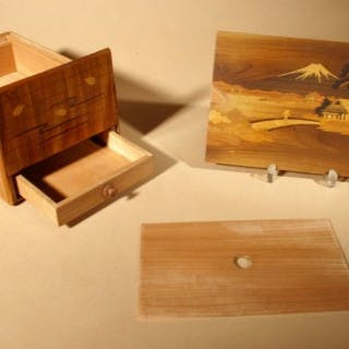 Antique Japanese Finally Inlaid Marquetry Box With Mount Fuji and