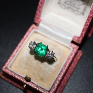 18ct Yellow Gold & Platinum Square Emerald & Diamond Three Stone Ring