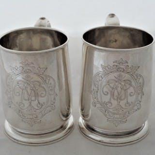 Quality pair George I silver mugs London 1716 Samuel Lee