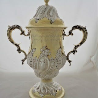 Fantastic boxed Victorian silver parcel gilt 2 handled cup&cover London