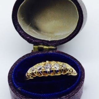 Antique Gold and Diamond Ring.