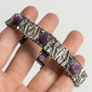 Silver and amethyst bracelet by Pentti Sarpaneva