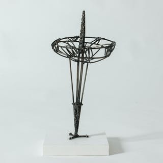 """""""Solo"""" sculpture by Fred Leyman"""
