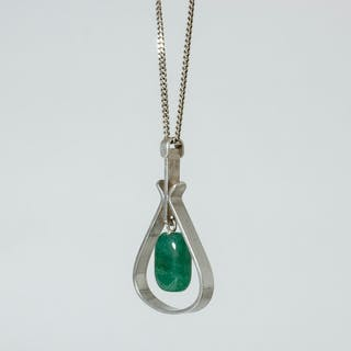 Silver and chrysoprase pendant from Hedbergs Guld