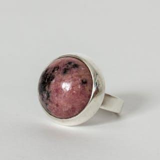 Silver and rhodochrosite ring by Åke Lindström
