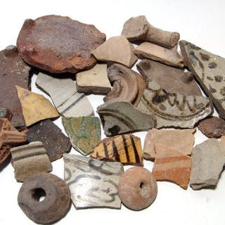 29 Near Eastern & Egyptian decorated pottery fragments