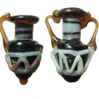 Attractive reproductions of Hellenistic core glass
