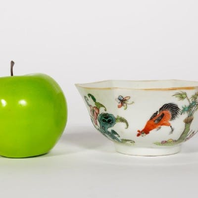 Chinese Rooster Motif Porcelain Bowl, Qing Mark