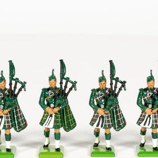 6 Pc, Britains Irish Pipers Model Toy Soldiers