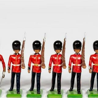 "11 Pc, Britains ""British Coldstream Guard"" Soldier"
