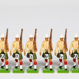 """10 Pc, Britains """"Scottish Infantry"""" Toy Soldiers"""