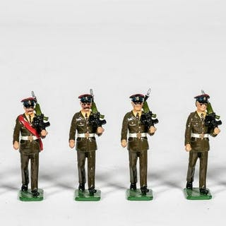 "9 Pc, Sarum Soldiers ""British Honor Guard"""