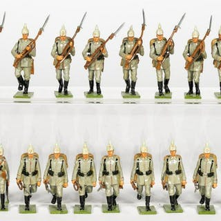 "18 Pc, Unidentified Maker ""German WWI"" Soldiers"
