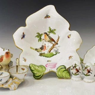 (11) HEREND ROTHSCHILD BIRD PORCELAIN TABLE ITEMS