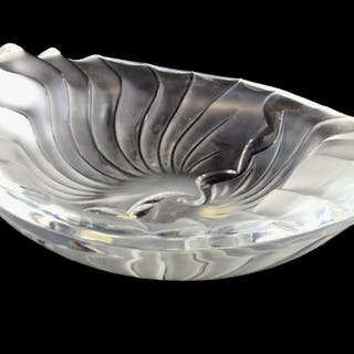 LALIQUE FRANCE 'NANCY' ART CRYSTAL CENDRIER