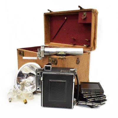 (LOT) GRAFLEX SPEED GRAPHIC CAMERA & ACCESSORIES