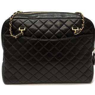 c2466be8a VINTAGE CHANEL QUILTED BLACK LEATHER ZIP TOTE BAG
