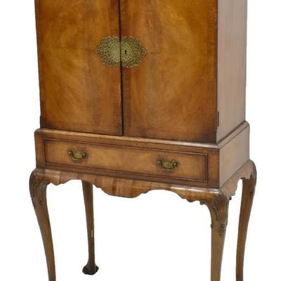 QUEEN ANNE STYLE CABINET ON STAND