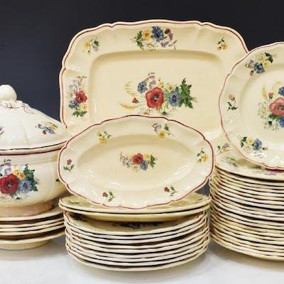 (41) FRENCH DIGOIN SARREGUEMINES DINNER SERVICE