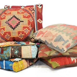 (7) COLLECTION OF ASSORTED THROW PILLOWS
