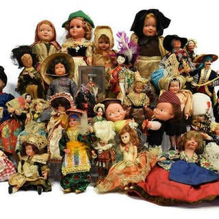 (36) COLLECTION OF WORLD TOURIST DOLLS