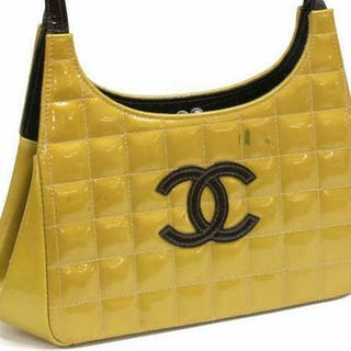 CHANEL GOLD SQUARE QUILTED PATENT LEATHER BAG