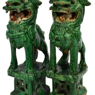 2)CHINESE CERAMIC IMPERIAL GUARDIAN LIONS/FOO DOGS