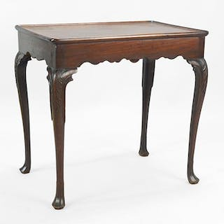 A Chippendale American 18th Century Carved Mahogany Tea