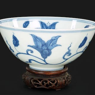 A Chinese Blue and White Porcelain 'Flower' Bowl.