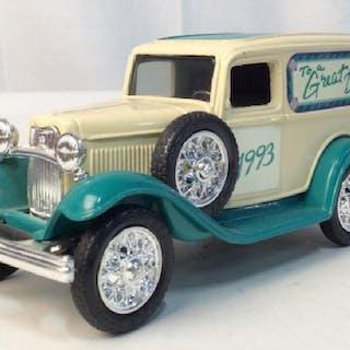 1993 Vintage Ford Van Miniature Replica Coin Bank