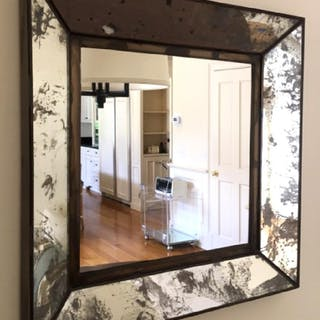Lot 4 Mirrors in Distressed Mirror Frames