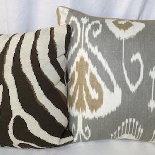 Lot 2  LUXURY Designer Throw Pillows