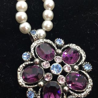 Rhinestone Studded Pendant W Pearlescent Beads