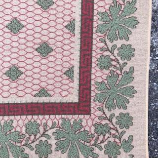 Oversized Leaf Detailed Wool Rug