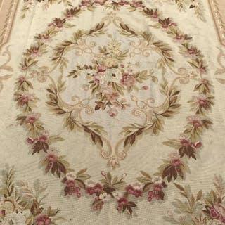 Needlepoint Carpet With Floral Scroll Leaf Design